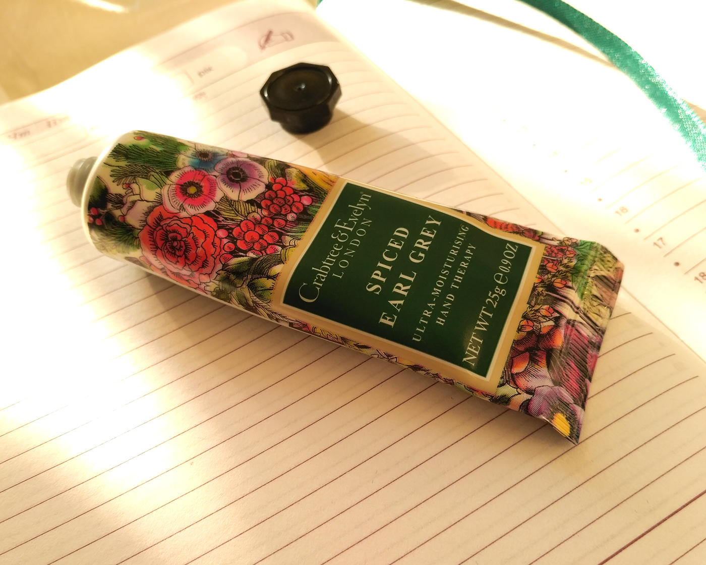 crabtree&evelyn hand cream